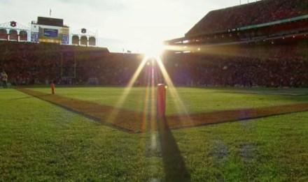 Auburn Stadium vor dem Sonnenuntergang