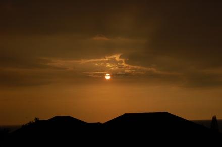 Die Sonne geht unter in Hawai'i - Bild: korsakoff.