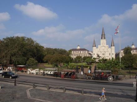Jackson Square an der Chartres Strees unweit des Mississippi - ©Alexander Lechner