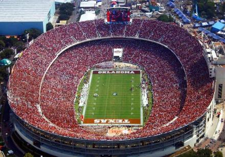 Cotton Bowl während der Red River Rivalry - Bild: Französische Wikipedia.